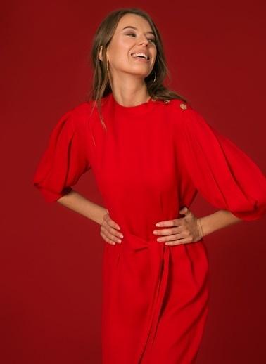 Random Kuşaklı Kısa Elbise Kırmızı